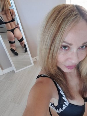 Meltem mature call girls in Brownsville