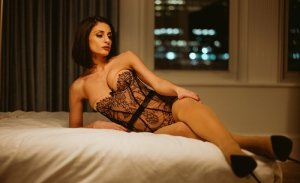 Clara-lou mature escort girl
