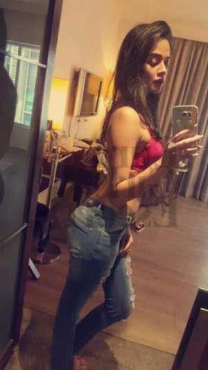 Taous escort girls in Albany OR