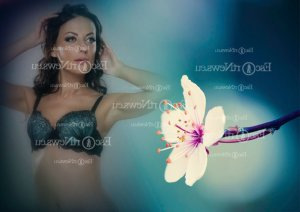 Remedio mature escort girl