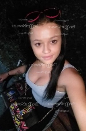 Euzhan live escort in Forest Acres