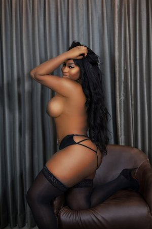 Himene mature live escorts
